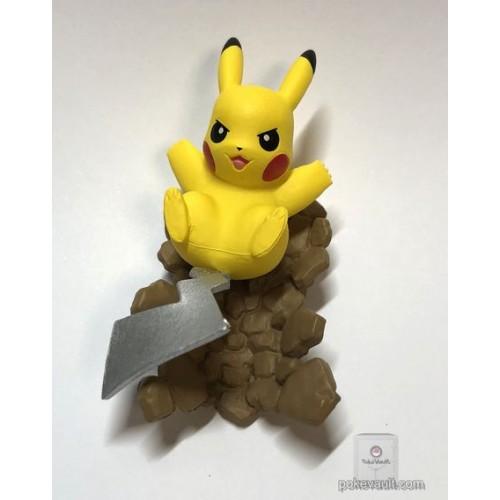 Pokemon Center 2018 Pokemon Capsule Act Pikachu Gashapon Figure (Iron Tail Version)