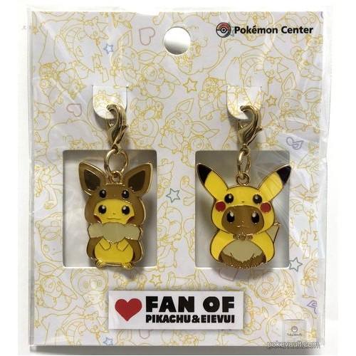 Pokemon Center 2018 Fan Of Pikachu & Eevee Campaign Poncho Pikachu Eevee Set Of 2 Charms