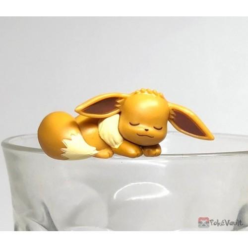 Pokemon Center 2019 Putitto Eevee & Pikachu Version Eevee Cup Ornament Gashapon Figure (Version #2 Sleeping)