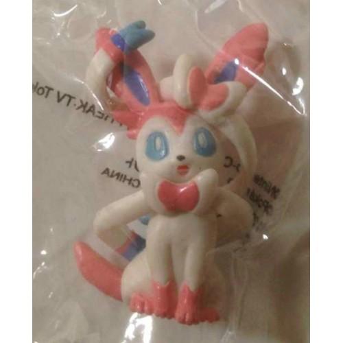 Pokemon Center 2013 Chupa Surprise Pokeball Sylveon Movie Version Figure & Candy